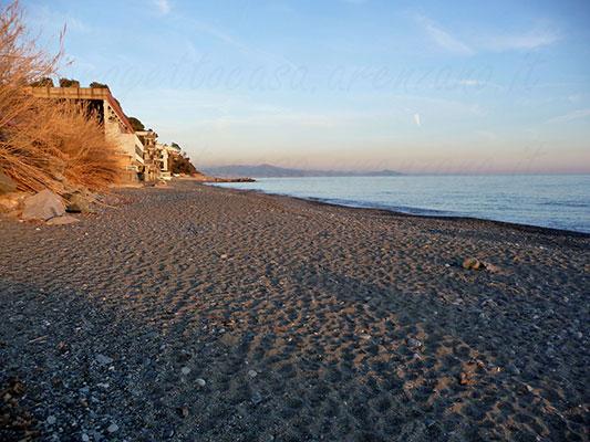 Appartamento ad Arenzano in via del mare